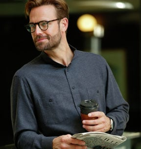 Stehkragenhemden: perfekt im Büroalltag | Walbusch