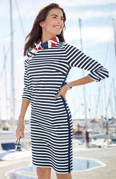 Unserer Kleider: feminin tailliert oder A-Linien-förmig   Walbusch