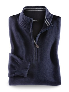 Troyer Cashmere Touch Navy Detail 1