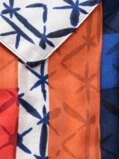 Schmeichelschal Weiß/Blau Detail 3