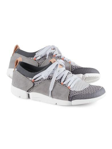 Clarks Sneaker Tri Amelia Sneaker Clarks Amelia Clarks Tri tWqSZnWwpc