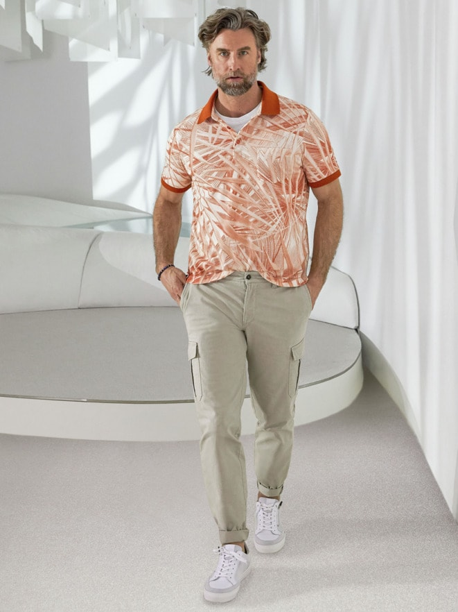 Outfit Künstlerdruck-Polo